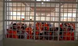 يضمّ الآلاف من معتقلي تنظيم الدولة.. تمرد في سجن غويران بريف الحسكة