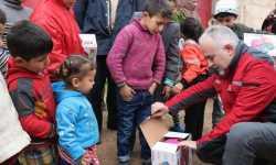 الهلال الأحمر التركي يرسل قافلة مساعدات إلى المناطق المحررة في ريف عفرين