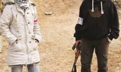 أسد الإسلام وليلى المقدونية يعقدان قرانهما وسط السلاح