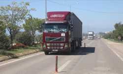 قافلة مساعدات أممية تصل إلى إدلب عبر تركيا