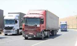 27 شاحنة مساعدات أممية تدخل إدلب