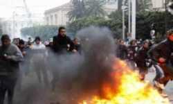 شهود عيان: قوات سورية تطلق النار على محتجين في بلدتي الزبداني وحمص