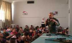نظام الأسد يجند الأطفال علناً في المدارس