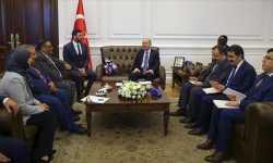 وزير الداخلية التركي يستقبل وفداً من الائتلاف السوري، الاتفاق على تشكيل لجنة لمتابعة شؤون السوريين في تركيا