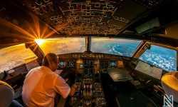 قيادة الثورة أم قيادة الطائرة؟؟
