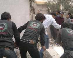 الدفاع المدني في الغوطة يتحدى المخاطر