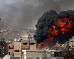 عشرات القتلى والجرحى في مجزرة مروّعة للطيران الروسي شرق حماة