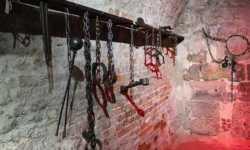 تقرير: نظام الأسد عذّب 18 شخصاً حتى الموت خلال شهر شباط الماضي