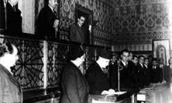 شيء من تاريخ التسامح والعنف السياسي السوري  جلسة إعلان دستور 1950 في البرلمان السوري