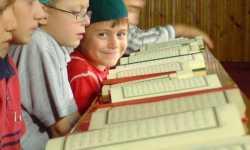 لماذا يتأفف بعض الأبناء من حفظ القرآن ؟!