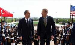 وزير الدفاع التركي يبحث مع نظيره الأمريكي التطورات في سوريا