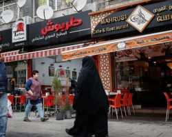 ما حقيقة توزيع بطاقة اتصال مجانية للسوريين في تركيا؟
