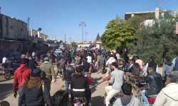 ريف درعا: مظاهرة حاشدة تطالب بإسقاط الأسد وإخراج الميلشيات الإيرانية
