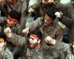 إيران تقول إن لها جيوشاً شعبية بدول عربية