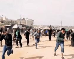 بالرصاص الحي.. هيئة تحرير الشام تتحدى الإرادة الشعبية الرافضة لفتح معبر تجاري مع النظام