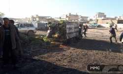 قصف جوي على سوق الهال في سراقب