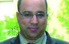 (أنور مالك) أول المنشقين عن بعثة المراقبين العرب