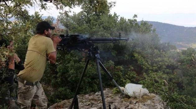 نشرة أخبار سوريا- تحرير جبل القلعة الاستراتيجي وتلة أبوعلي وبرج وبلدة البيضاء في جبل التركمان، وتدمير 8 آليات عسكرية وقتل 25 عنصراً للنظام في معارك ريف دمشق -(10_4_2016)