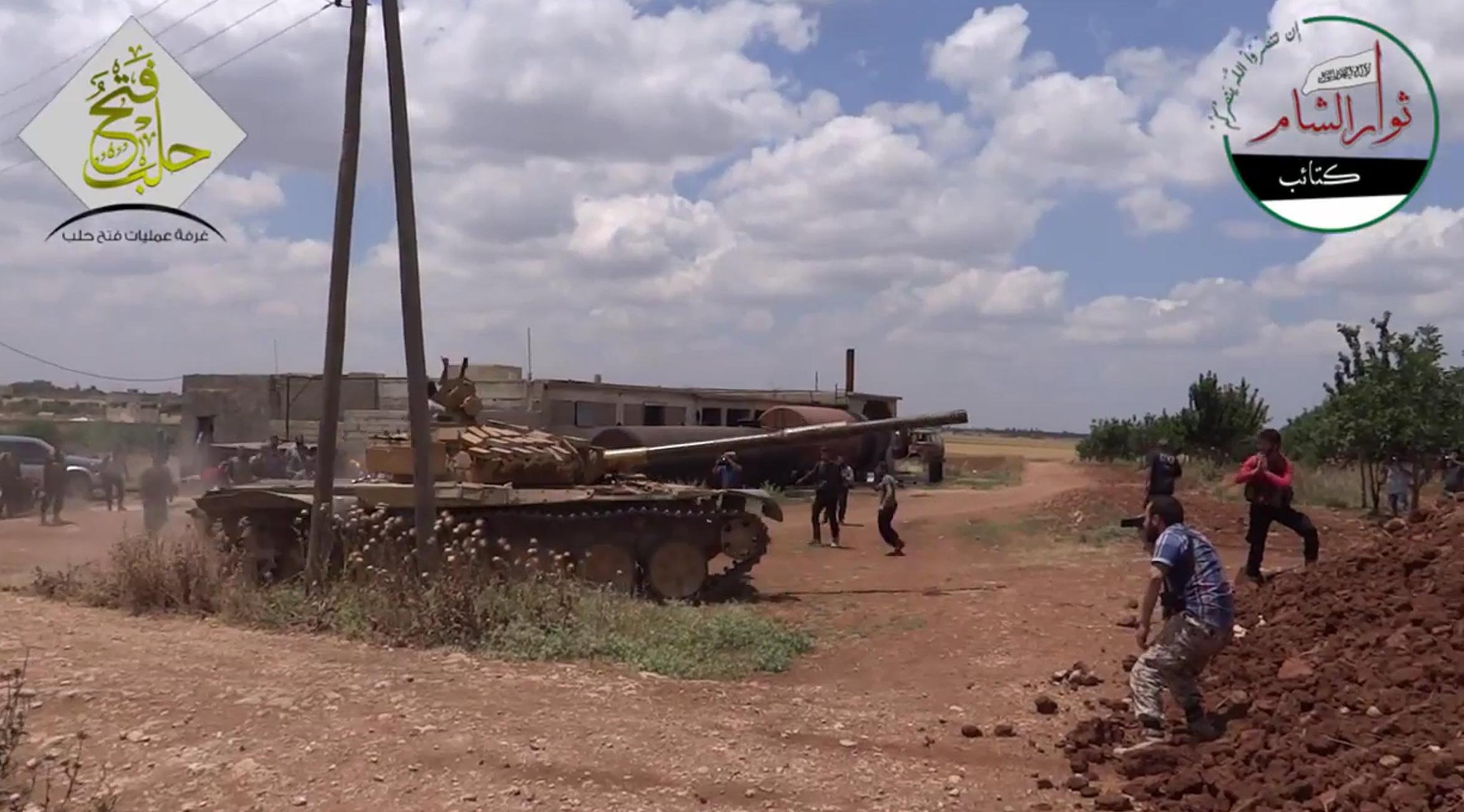 نشرة أخبار سوريا- استعادة السيطرة على 7 قرى من تنظيم الدولة بريف حلب الشمالي، وقيادي في الحر: معركة حلب تهويل إعلامي من النظام -(11_4_2016)