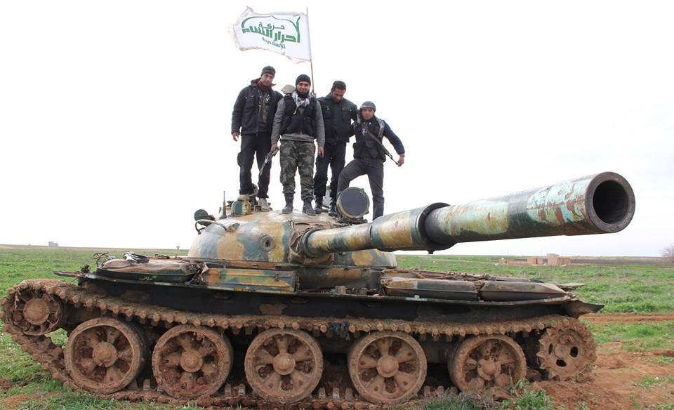 لماذا اقتحمت جبهة فتح الشام مقرات أحرار الشام في إدلب؟