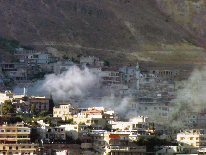 نشرة أخبار سوريا- قوات الأسد تخرق الهدنة في بلدة مضايا وتقصفها بقذائف المدفعية والرشاشات الثقيلة، وتدمير مبنى تتحصن به قوات الأسد في حي سيف الدولة بحلب بالكامل -( 21_9_2015)