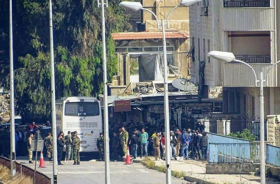نشرة أخبار سوريا- قوات النظام تواصل انتهاكها لاتفاق التهدئة، والدفعة الأولى من مهجري حي برزة الدمشقي تتوجه نحو جرابلس -(8-5-2017)
