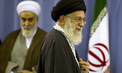 الموقف الإيراني من عاصفة الحزم