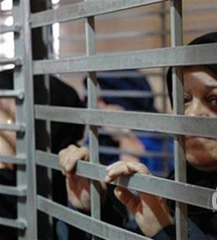 صرخة.. من داخل زنزانة المعتقلات