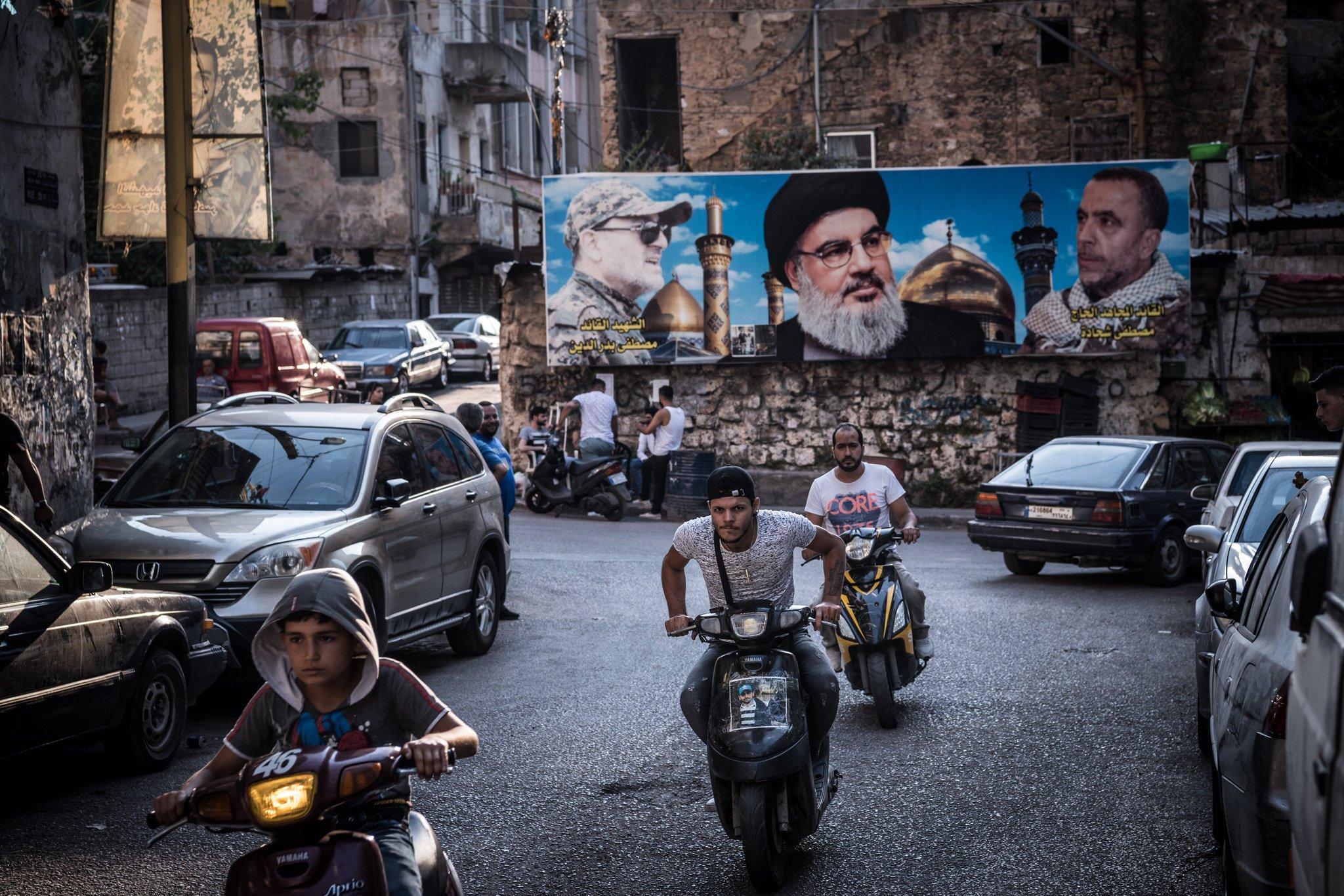 نيو يورك تايمز «إيران تفصح عن إعادة تشكيل الشرق الأوسط بأداة عربية: حزب الله»
