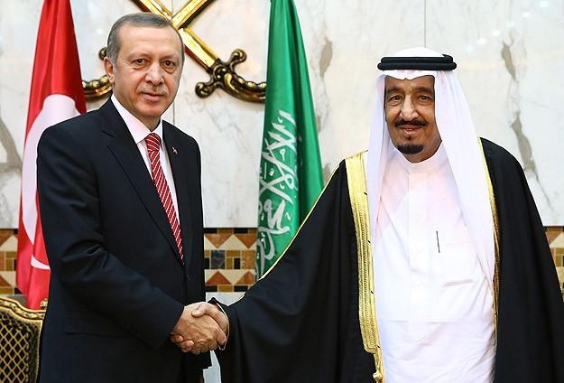 عن الموقف السعودي والتركي من التطورات في سوريا