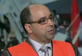 مراقب جزائري: النظام لا همّ له إلا البقاء في الحكم على حساب واقع مأساوي