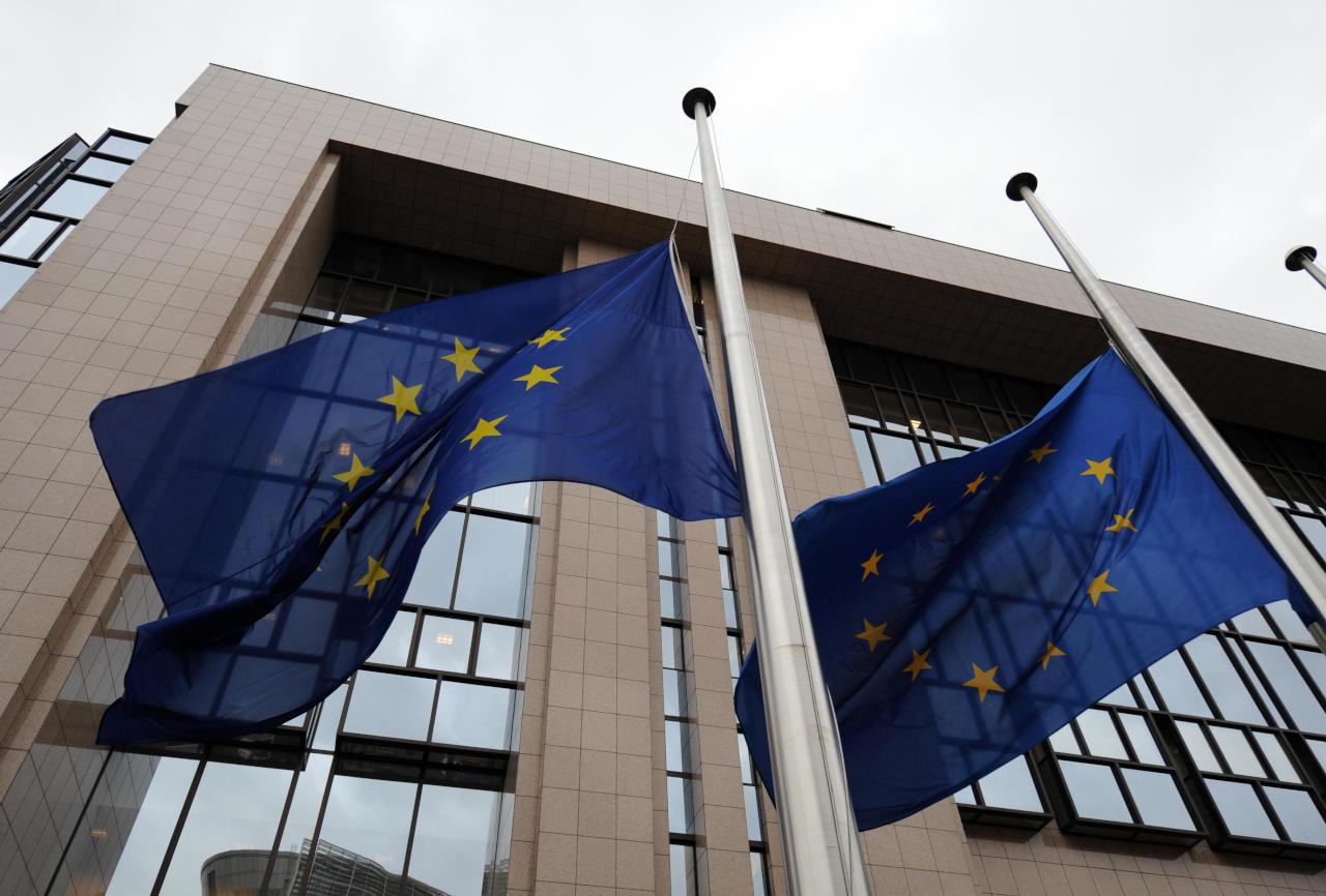 الاتحاد الأوروبي يصدر قائمة عقوبات جديدة على شخصيات داعمة للأسد