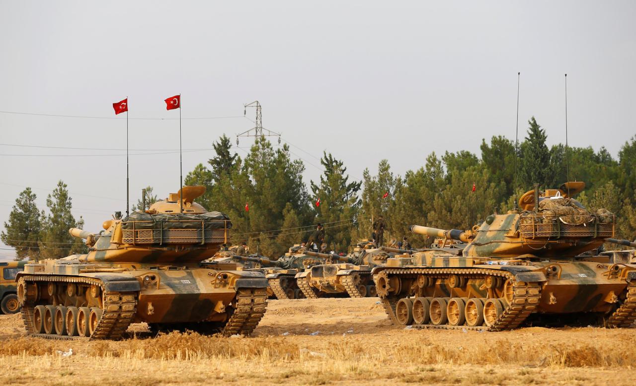 الجيش التركي يستهدف 178 موقعاً لتنظيم الدولة في الباب