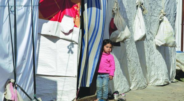 اللاجئون السوريون يحركون قطاعات استهلاكية لبنانية