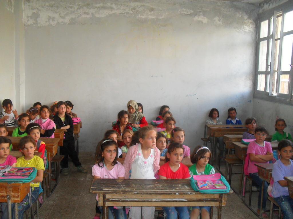 في المناطق الخاضعة للنظام: اللغة الروسية والمذهب الشيعي بالمناهج الدراسية الجديدة بسوريا!
