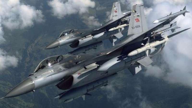 الجيش التركي يدمر 16 موقعاً لتنظيم الدولة في مدينة الباب