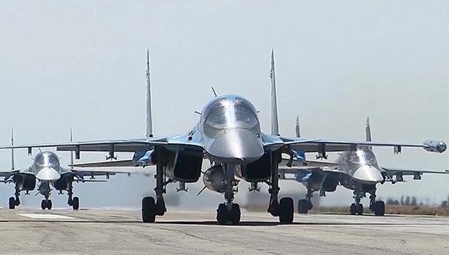 أربع مقاتلات روسية جديدة إلى مطار حميميم، والدفاع الروسية تنفي تعزيز قواتها في سوريا