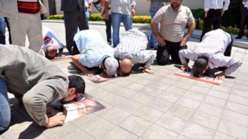 الحكومة التركية تصدر قراراً بترحيل مؤيدي الأسد من أراضيها!