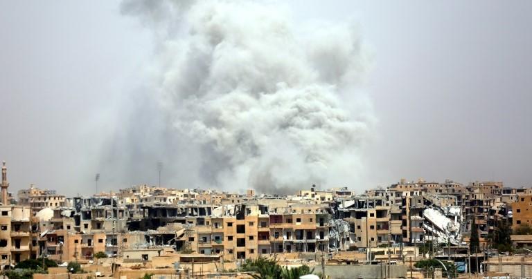20 قتيلاً و30 جريحاً جراء استهداف النظام حي القصور التابع لسيطرته بدير الزور يوم أمس
