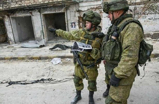 إصابة جنود وصحفيين روس في انفجار لغم بدير الزور