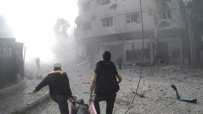 يوم أسود في الغوطة.. عشرات الغارات ومئات الصواريخ والقذائف تنهال على رؤوس المدنيين