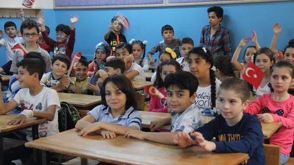 التربية التركية تدمج أكثر من 600 ألف طالب سوري ضمن نظامها التعليمي
