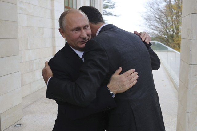 نشرة أخبار سوريا- الأسد يعود إلى حضن بوتين، وشخصيات ثورية تقاطع مؤتمر الرياض2 -(21-11-2017)