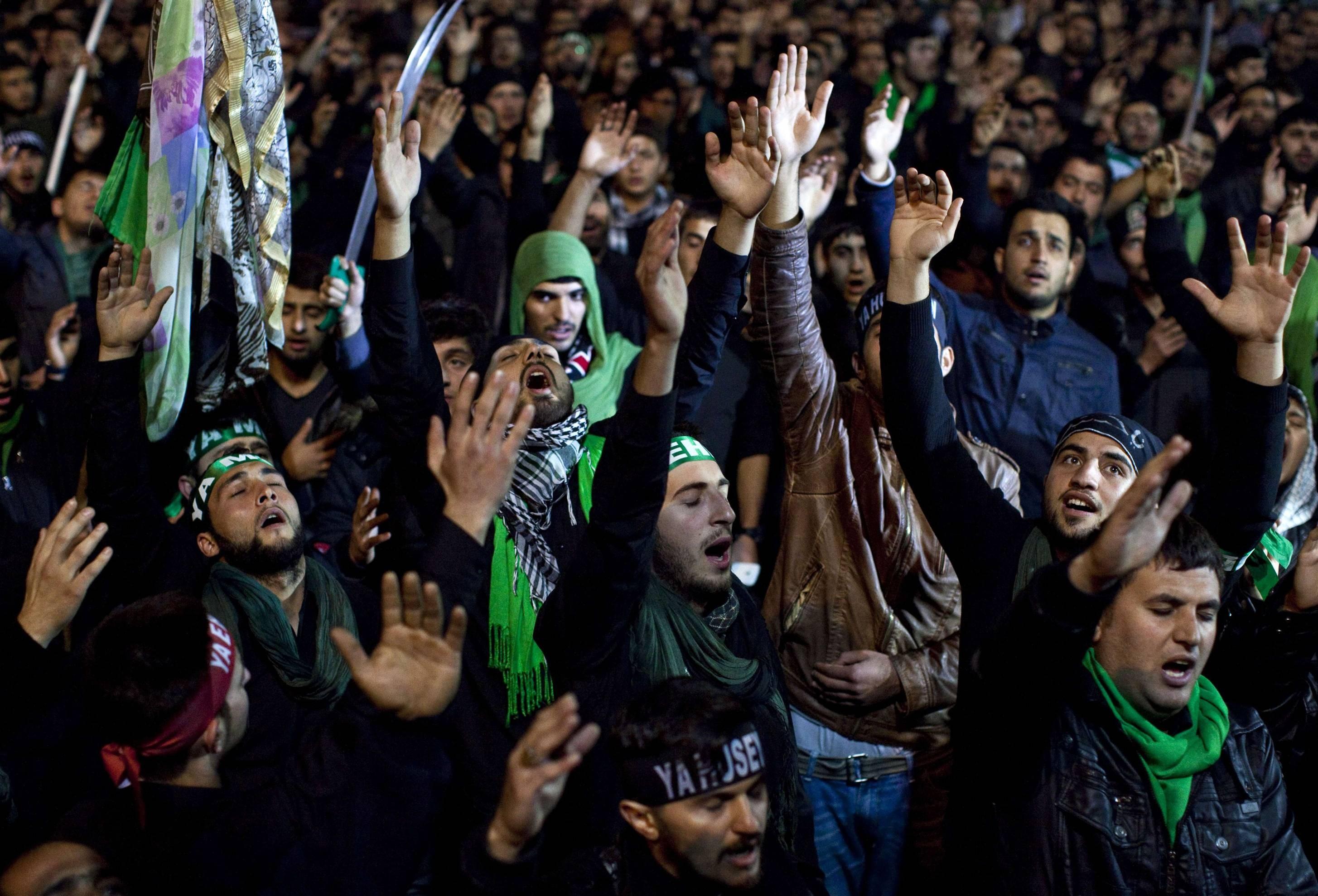 بعد اجتياحها أسواق دمشق..نظام الأسد يحظر اللطميات في الأماكن العامة