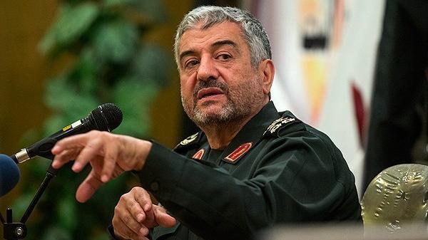 الحرس الثوري الإيراني يلوّح بالبقاء في سورية