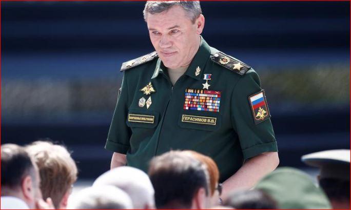 مسؤول روسي: موسكو ستقلّص وجودها العسكري في سورية
