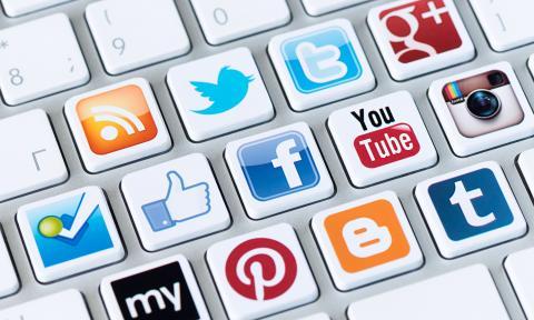 مخاوف الإغراق الوعظي في وسائل التواصل