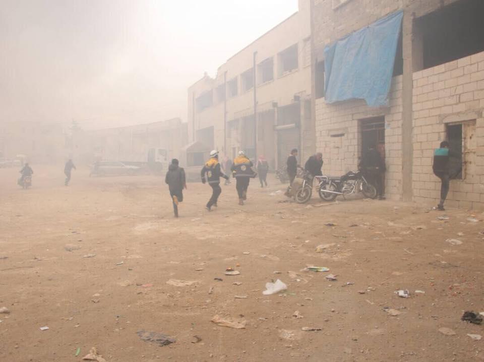 بعد غارات بالنابالم الحارق: مشفى معرة النعمان وفرن سراقب خارج الخدمة