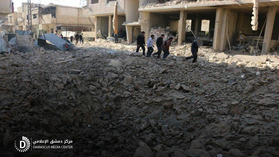 نشرة أخبار سوريا- 100 غارة جوية على مدن وبلدات الغوطة الشرقية، وتركيا تحذر من موجة نزوج جديدة بسبب القصف على  إدلب-(12-1-2018)
