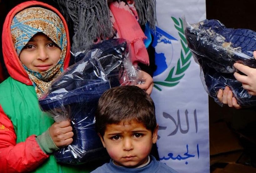حملة تركية لتوفير 66 ألف حذاء شتوي للأطفال السوريين في المخيمات